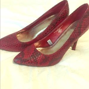 Red faux snakeskin by Mossimo - Showstoppers!